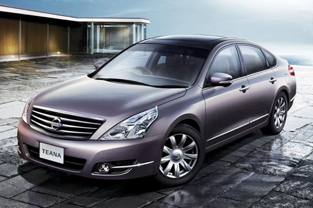 2010 Nissan Teana Front Image