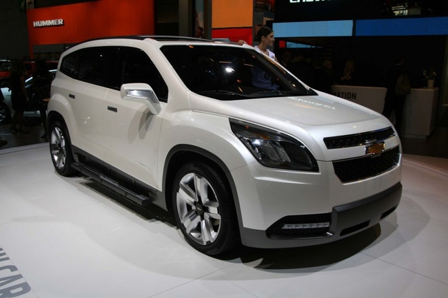Chevrolet Orlando Front Image