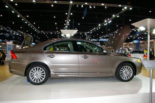 Volvo S80 - other side