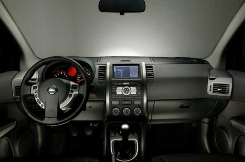 2008 Nissan X-Trail breaks cover ahead of Geneva - 2008 Nissan X-Trail Interior 2