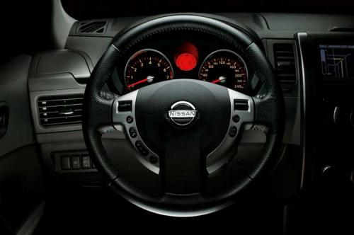 2008 Nissan X-Trail breaks cover ahead of Geneva - 2008 Nissan X-Trail Interior 1