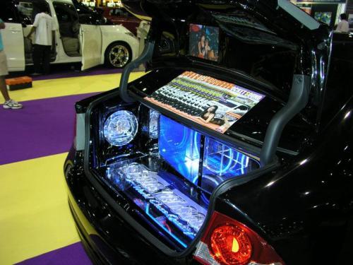 Thailand International Motor Expo 2006 Photos - Honda Civic with tiny boot