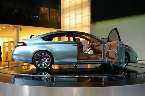 Nissan Intima Concept 1