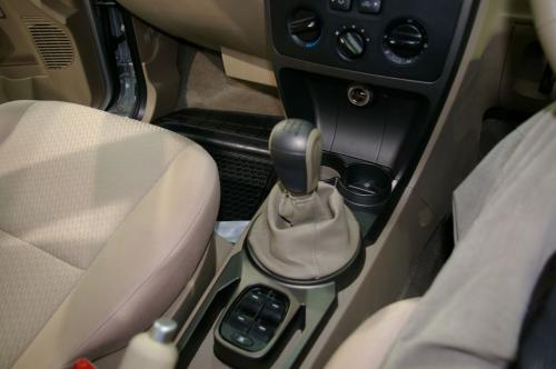 Tata Xenon - Gear stick