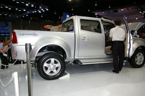 Tata Xenon - Side 2