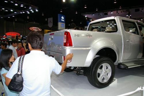 Tata Xenon - Rear Side