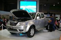 Tata Xenon - Front Side