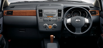 New Image Posting System Nissan Latio Cockpit